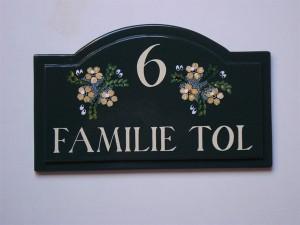 Naambord Voordeur Landelijk : Cottage naamplaatjes in engelse stijl met de hand gegoten.